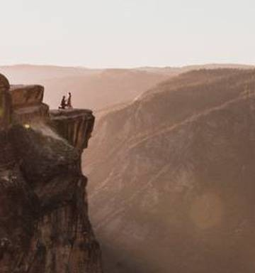 Couple plunges to death at Yosemite cliff popular for proposals - NZ