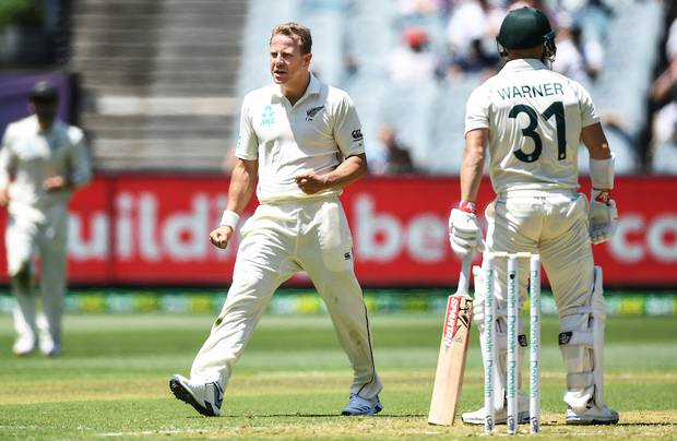 Neil Wagner celebrates the wicket of David Warner after Tim Southee's catch. Photo / Photosport