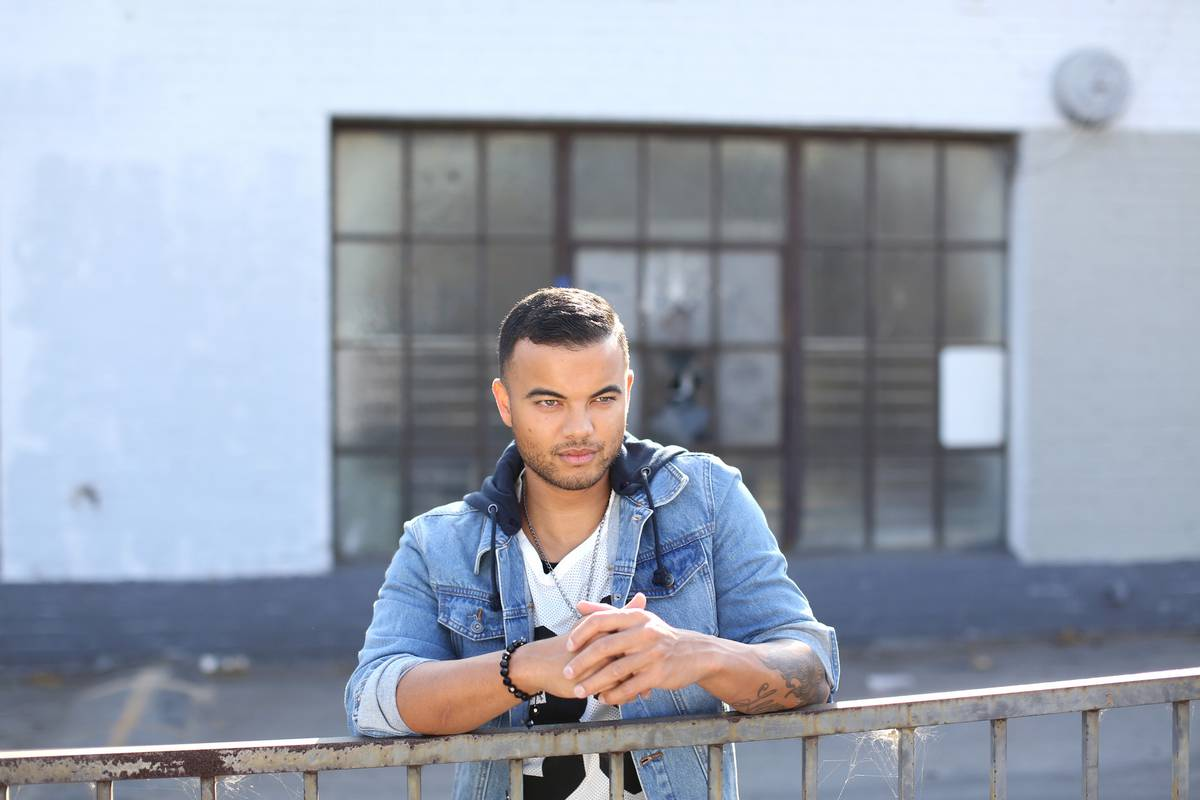 Aussie singer Guy Sebastian claims cop held gun to his head in California