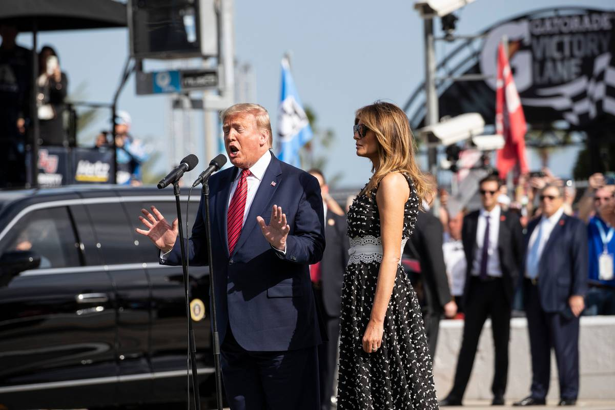 Donald Trump kicks off Daytona 500 as grand marshal