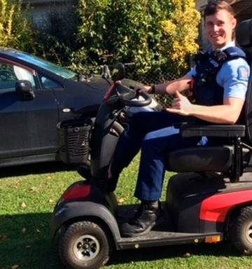 Policemobile? Hero Gisborne cop catches thief, rides stolen scooter