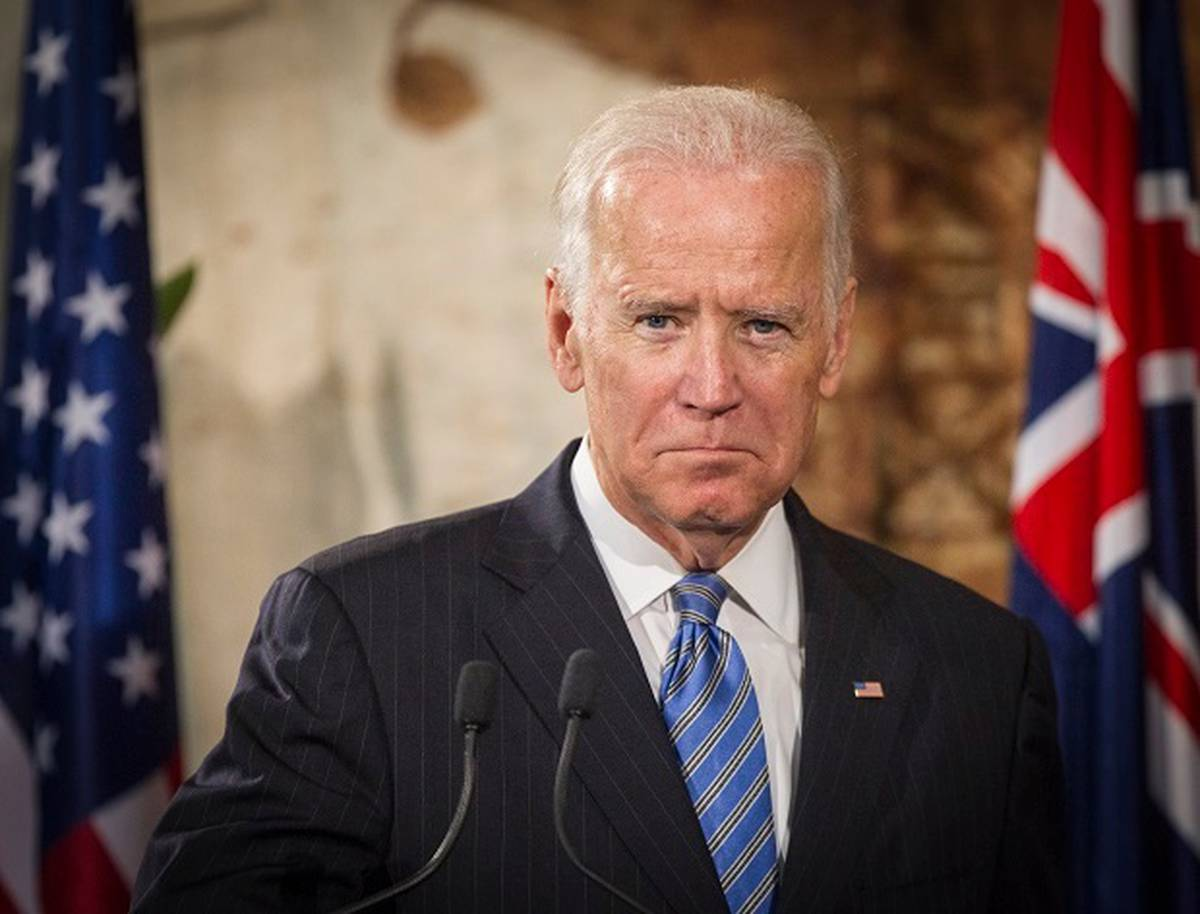 Biden decries reports about Trump, Ukraine's president
