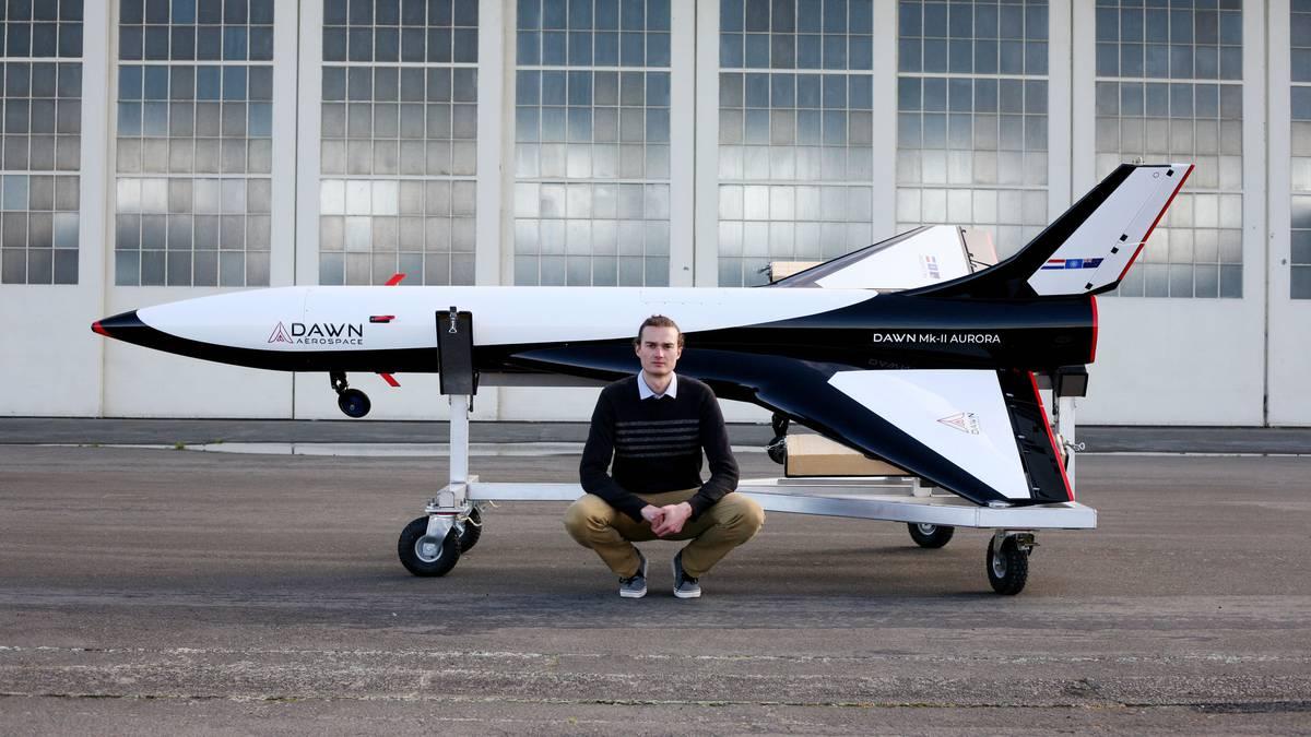 New Zealand firm Dawn Aerospace unveils sub-orbital plane - NZ Herald