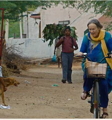 Movie review: Aunty and the Star People - NZ Herald