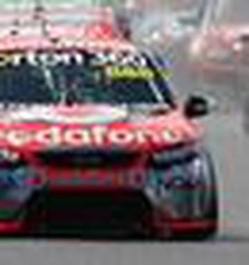 Motorsport 2 5m Prize For V8 Supercars Grand Slam Nz Herald