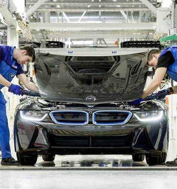Superfactory - Behind the scenes at BMW's electric car plant