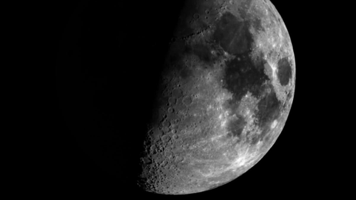 Nasa makes 'exciting new discovery' about the moon - NZ Herald