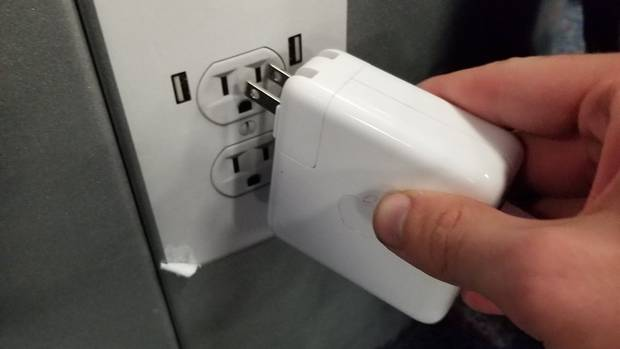 Fake-Power-Socket