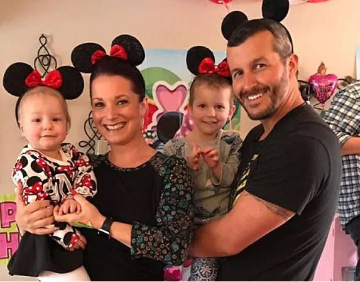 "The killer father Chris Watts left warnings that in love letters ""big things"" happen to the mistress"