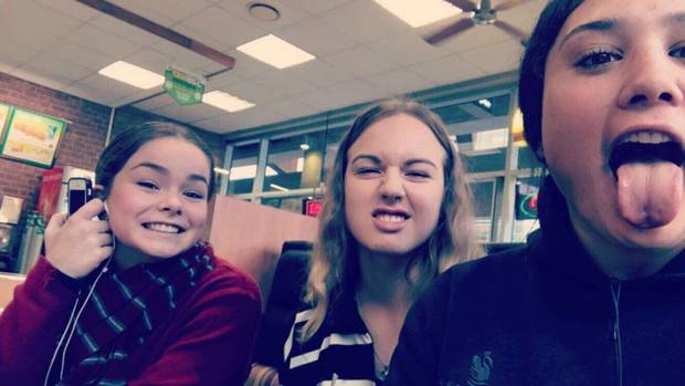 Best mates, Pearl Tottenham, 17, left, Grace Hill, 16, and Pania Reihana-Halford, 17. Grace was one of three killed in a horrific crash in Hamilton at the weekend. Photo / Supplied