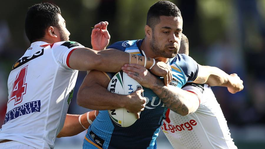 Titans crisis meeting fails to end Hayne-Henry feud