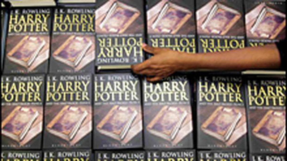 Whitcoulls Top 100: Ten Kiwi authors make list as Harry Potter series rules the charts