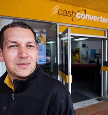 Cash Converters Rotorua Shift Manager Brian Gut And His Team Alert The Police To Stolen Items