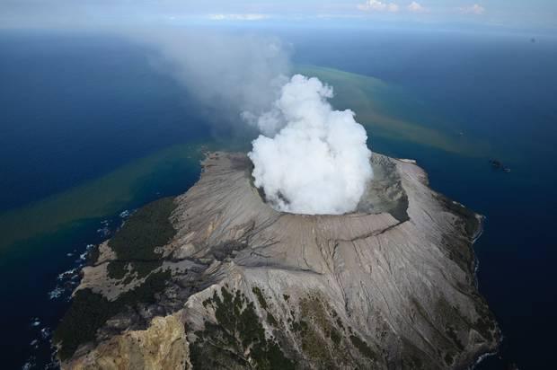 White Island erupts. Photo /George Novak