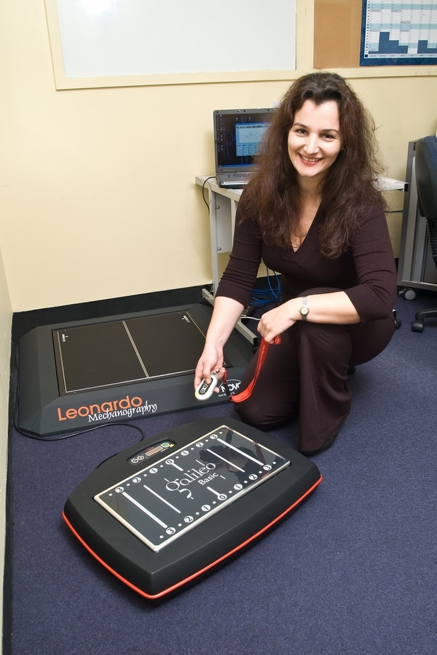 Liggins Institute research fellow Dr Silmara Gusso, with one of the special plates used in the trial. Photo / Supplied