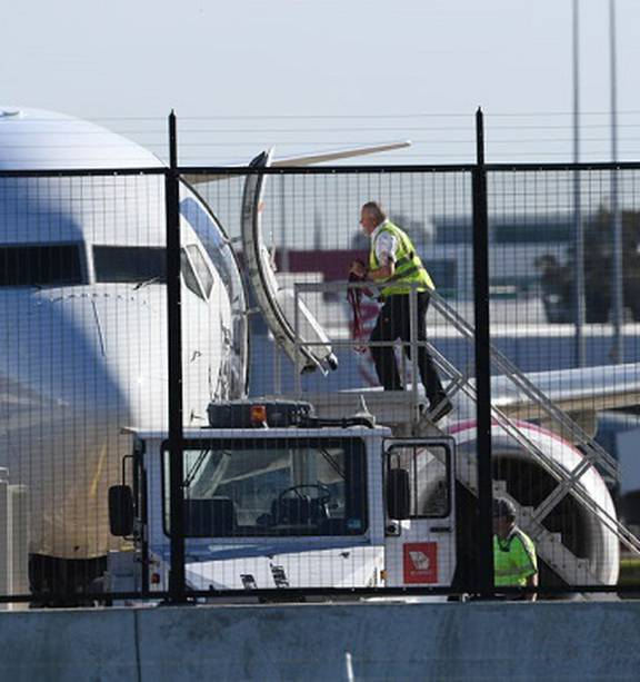 Covid 19 Coronavirus South Australia Border Reopens For Domestic Travel As Restrictions Ease Nz Herald