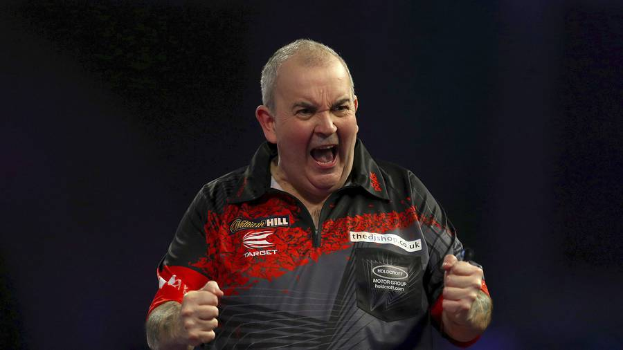 Rob Cross wins World Darts Championship final after stunning Phil Taylor
