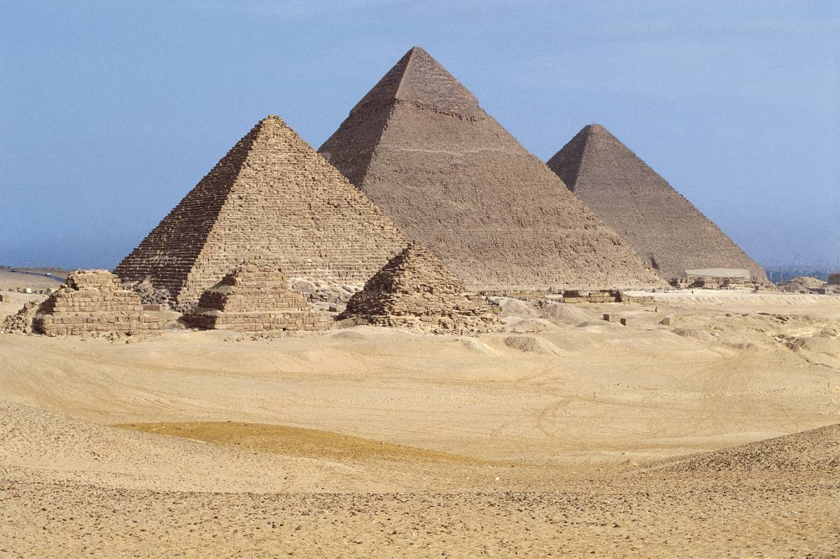 mysterious-void-in-great-pyramid-of-giza-could-finally-reveal-how-pyramids-were-built