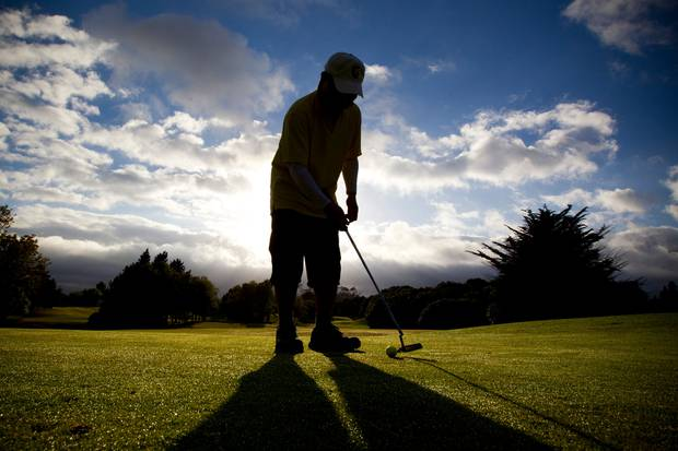 Housing eyed for six Auckland gold courses