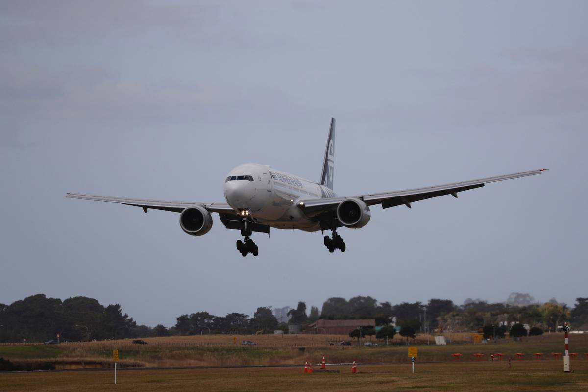 Mystery case: Auckland to Sydney passenger tests Covid-19 positive