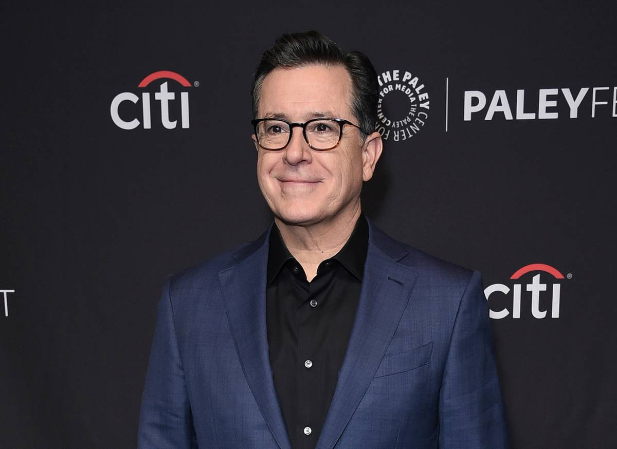 Stephen Colbert in New Zealand - Marmite, jandals and jokes about sausages