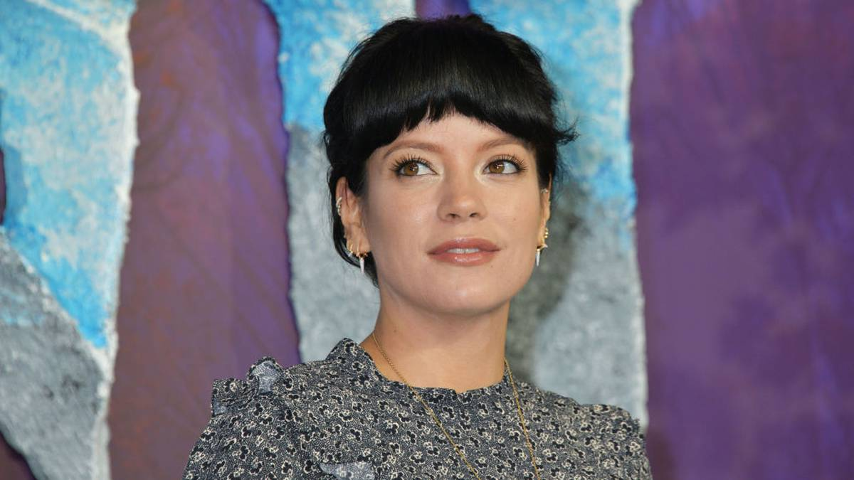Lily Allen blames Miley Cyrus tour for dishonest, taking velocity and going to rehab – NZ Herald