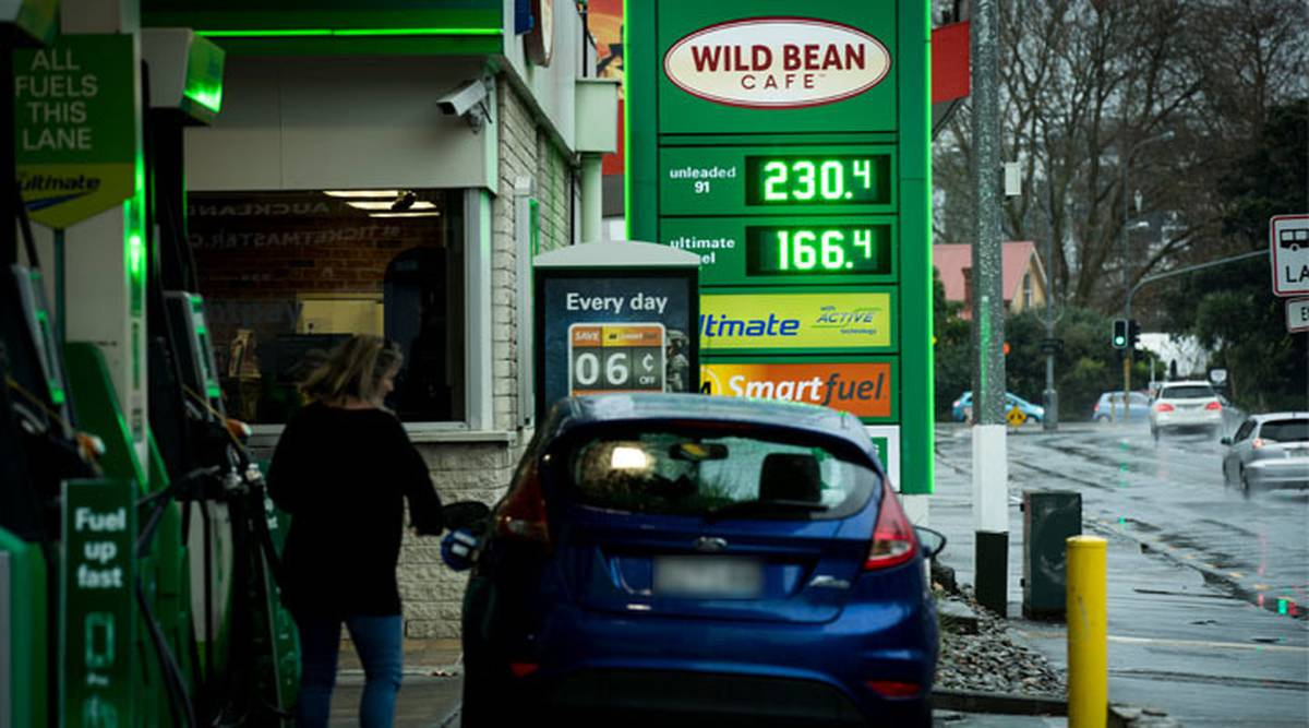 Auckland gasoline prices show first signs of hikes after the