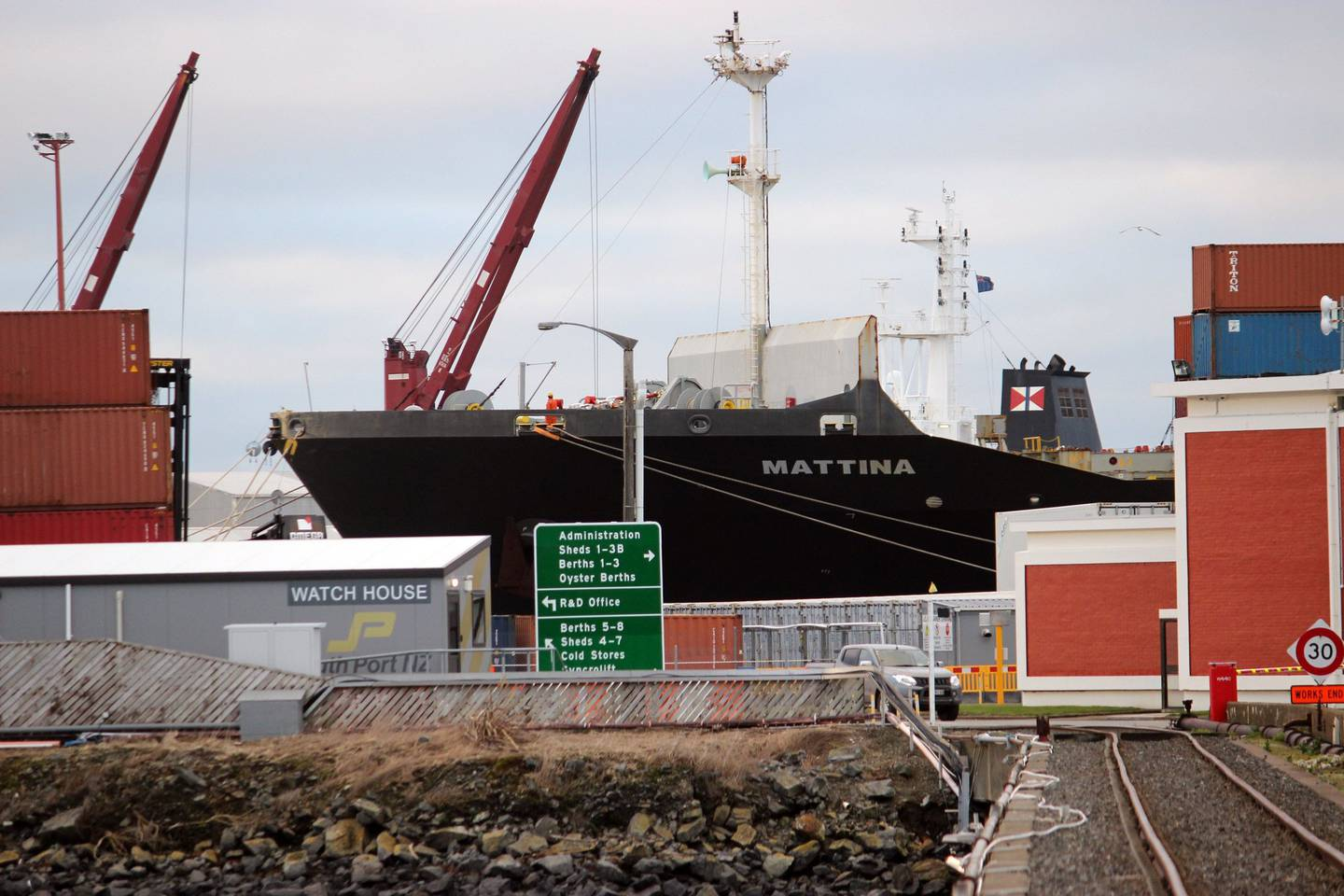 There are 9 Covid cases on the Mattina container ship in Bluff. Photo / Otago Daily Times