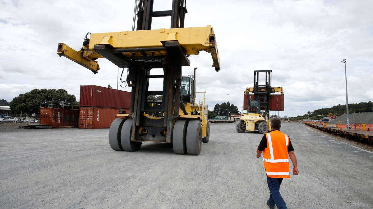 Containers from Whangārei being taken to Auckland on rail - NZ Herald