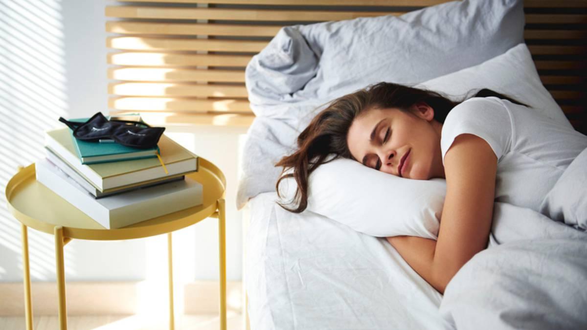 Japanese trick 'moon breathing' guaranteed to help you fall asleep - NZ Herald