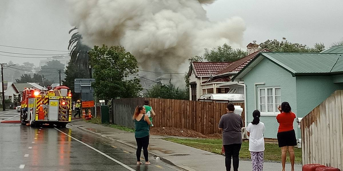 get-inside-residents-told-person-running-around-with-knife-amid-flat-blaze-in-whangarei