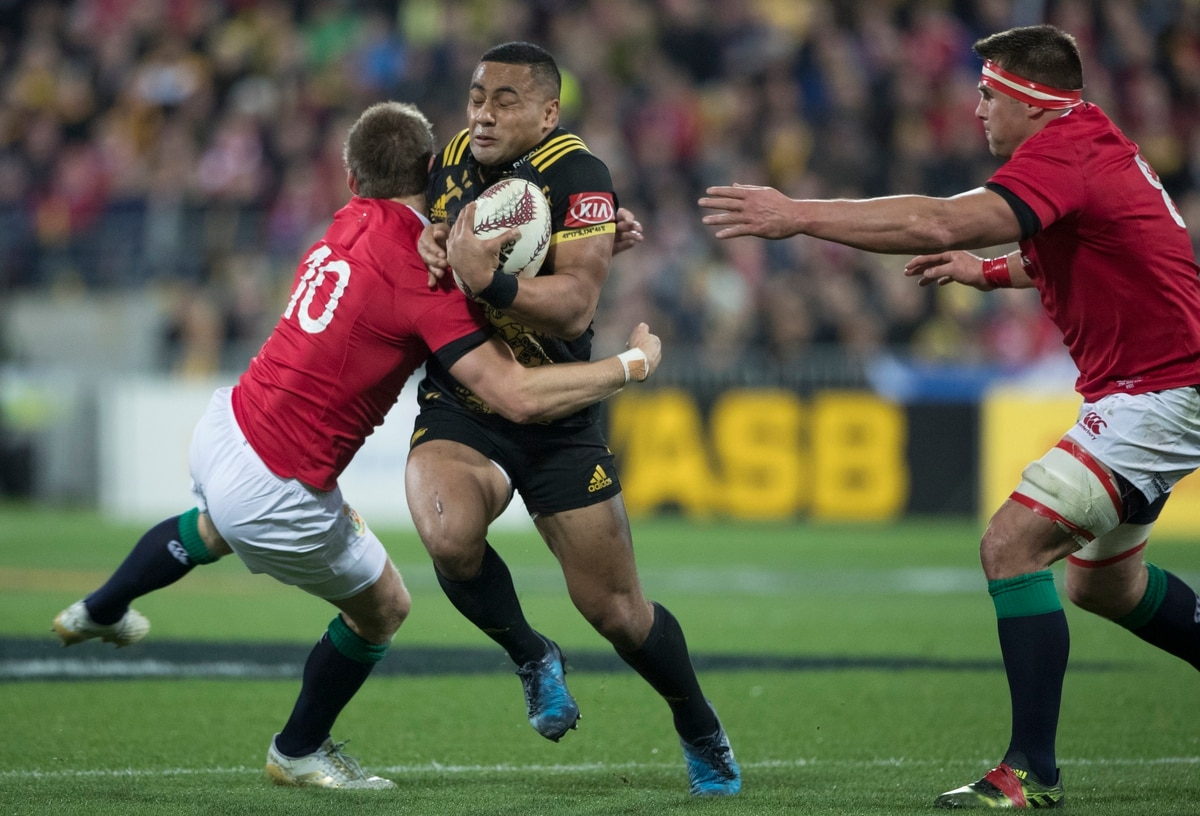 Rugby: Lions and Hurricanes battle to classic draw