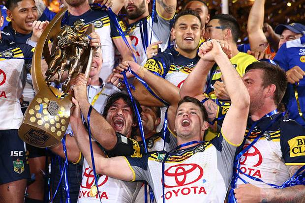 2015 premiership winner Johnathan Thurston says Shaun Johnson could win a grand final with another club if he did move on from the Warriors. Photo / Getty Images.