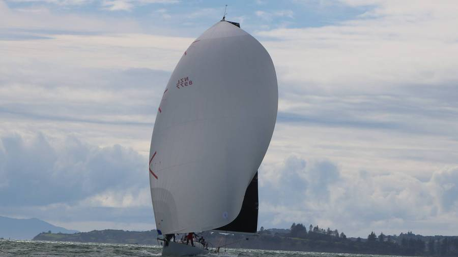 Near collision marks start of 73rd Sydney to Hobart race
