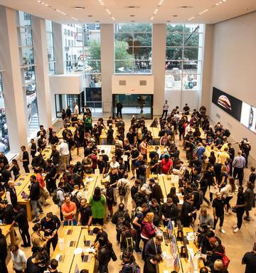 iPhone XS buyers undeterred by eye-watering prices - NZ Herald