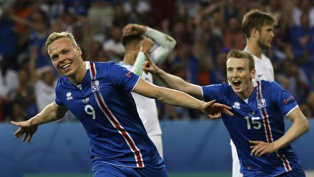 Icelands Kolbeinn Sigthorsson Celebrates After Scoring His Sides Second Goal During The Euro  Round Of
