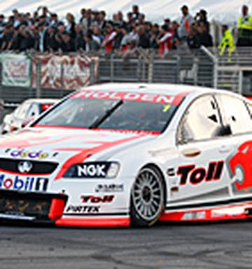 Motorsport: Tander takes honours after first race pile-up - NZ Herald