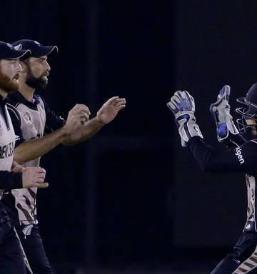 Cricket: Black Caps book semifinal spot with win over Pakistan - NZ