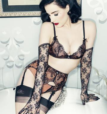 3c56eff1f71b Dita Von Teese says she hopes to bring her burlesque striptease show to New  Zealand.