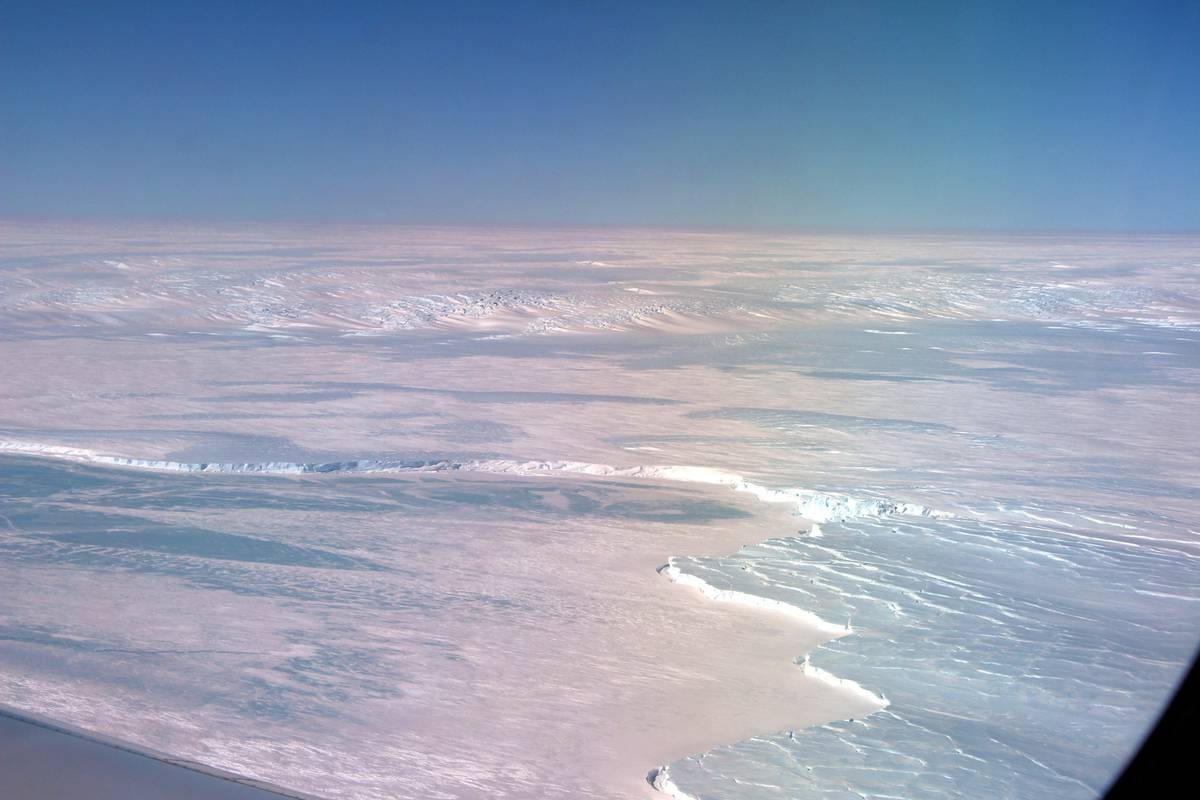 Scientists just discovered a massive new vulnerability in the Antarctic ice sheet