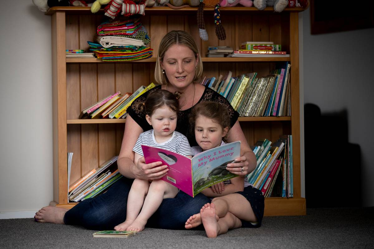 'Never too soon to read to baby' - study