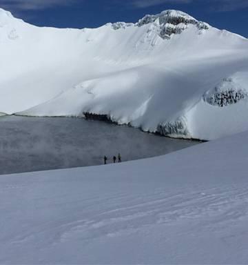Man dies after fall at Crater Lake at Mt Ruapehu - NZ Herald