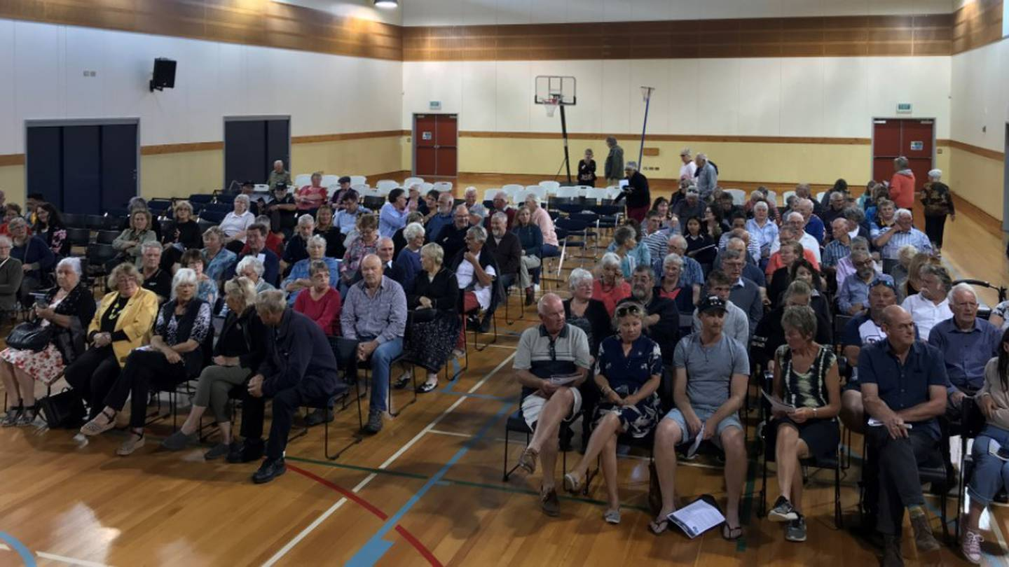 Hundreds of people packed the East Otago Events Centre hall tonight to discuss the state of water affecting about 1500 residents in the townships north of Dunedin. Photo / Gregor Richardson