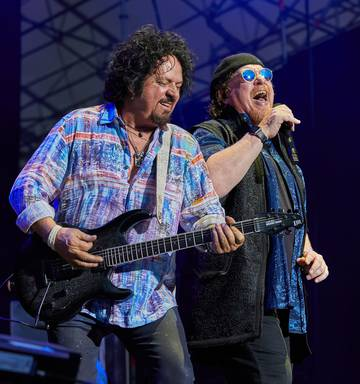 Review: Toto's music should've silenced the grumblers - NZ Herald