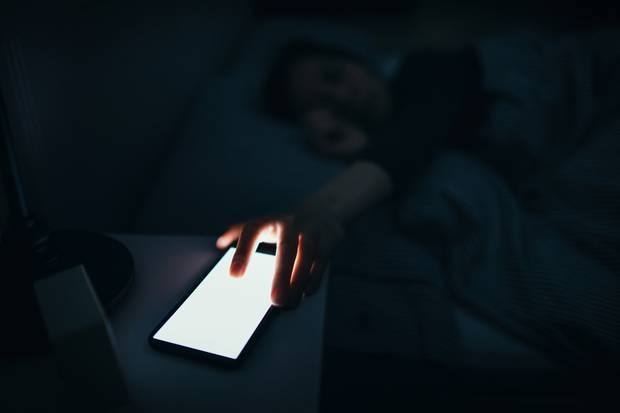 ANSES recommends avoiding using LED screens in dark environments. Photo / Getty Images