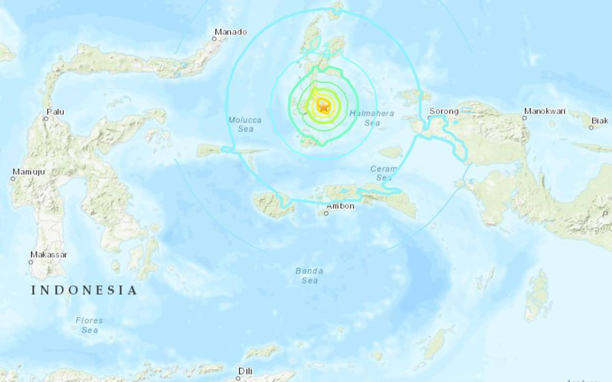 Magnitude 7.3 earthquake rocks Indonesia