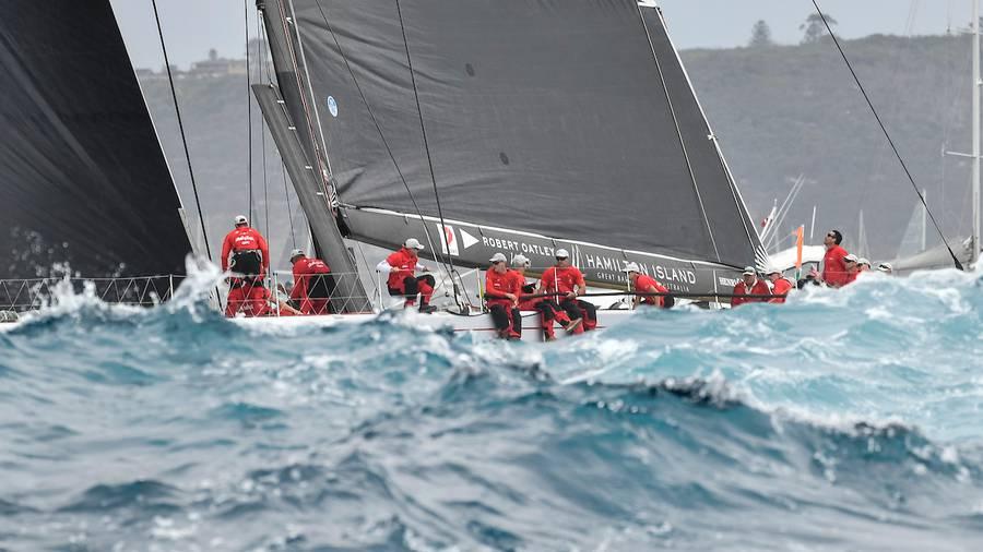 Leaders jostle for Sydney Hobart honours