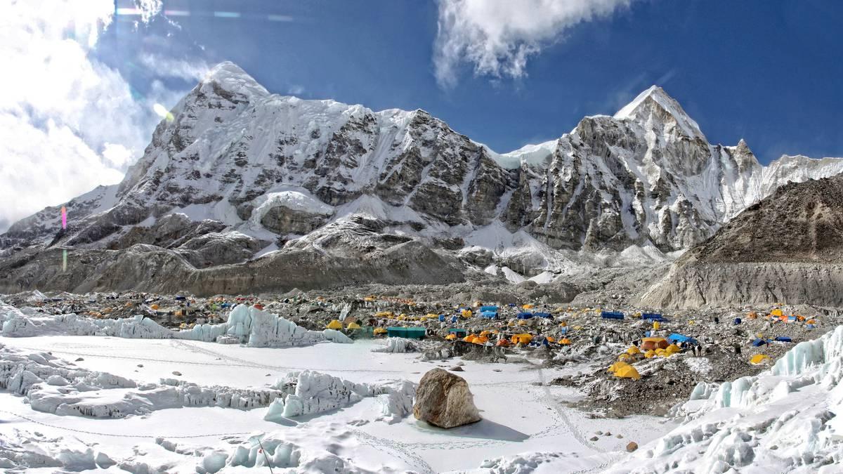 Covid 19 Nepal: Veteran Everest operators scrap Spring climbing season