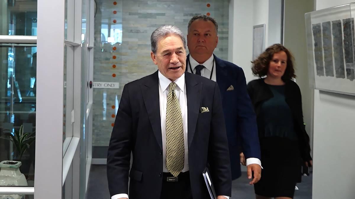 Deputy Prime Minister Winston Peters railroads Transport Minister Phil Twyford's light rail timeline