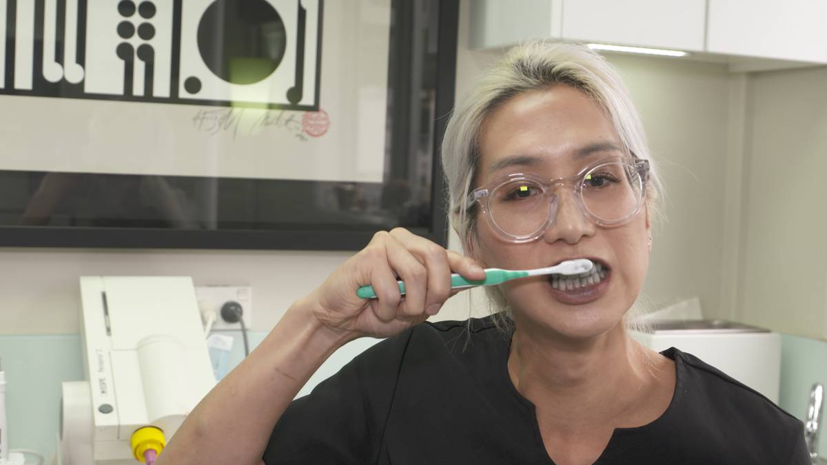 Nz Dentist Warns Against Activated Charcoal Teeth Whitening Trend
